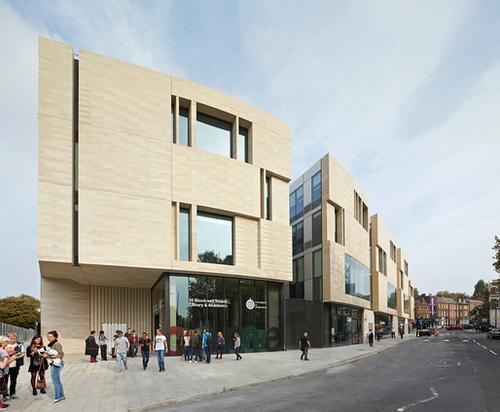 """英国皇家建筑师   该项目""""使用了手工制的丹麦砖块"""